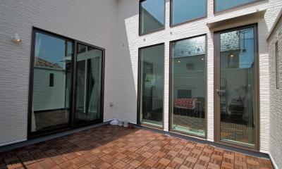 渋谷区E様邸 鉄骨階段とガレージのある家 (LDK、子ども部屋とつながるテラス)