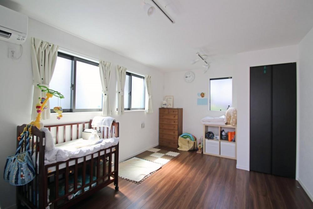渋谷区E様邸 鉄骨階段とガレージのある家 (子ども部屋)