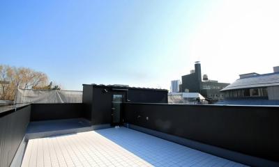 大田区A様邸 中庭のある3階建ての家