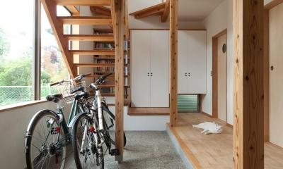 船橋・猫と暮らす家 (広々とした玄関土間)