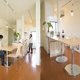 UEHARA APARTMENT (高さが調節できるダイニングテーブル)