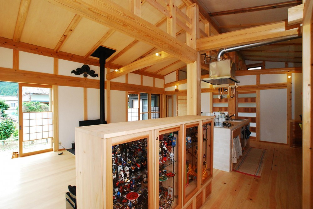 薪ストーブのある平屋建ての家 (廊下)