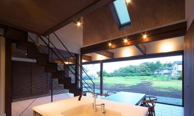 キッチンから南方を|YZH 大屋根と高気密