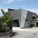 SZH 楔形の都市型住宅の写真 個性的な外観