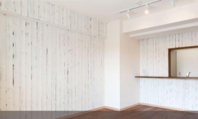 白×無垢材のコントラスト