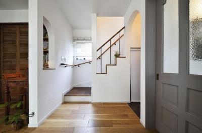 階段 (家族もワンちゃんも大満足!ペレットストーブのある自然な暮し)