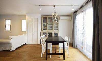 実家を完全分離の二世帯住宅に。デザインにもこだわった理想のすまい。 (ダイニング)