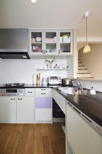 キッチン (実家を完全分離の二世帯住宅に。デザインにもこだわった理想のすまい。)