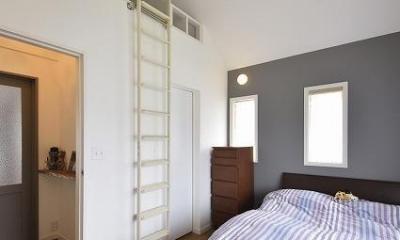 実家を完全分離の二世帯住宅に。デザインにもこだわった理想のすまい。 (寝室)