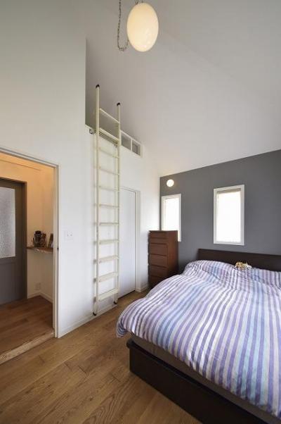 寝室 (実家を完全分離の二世帯住宅に。デザインにもこだわった理想のすまい。)