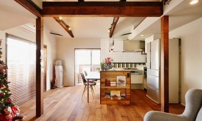 ~築38年戸建住宅~1階に仕事場、2階は明るく心地よいリビングを。子育てしながら仕事ができる住まい (キッチン)