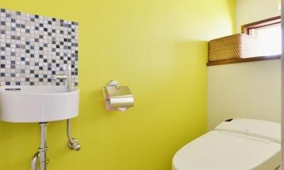 ~築38年戸建住宅~1階に仕事場、2階は明るく心地よいリビングを。子育てしながら仕事ができる住まい (トイレ)