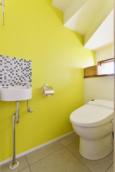 トイレ (~築38年戸建住宅~1階に仕事場、2階は明るく心地よいリビングを。子育てしながら仕事ができる住まい)