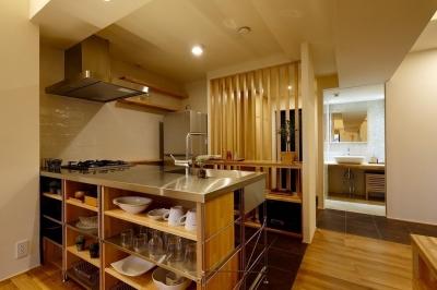 キッチン (無垢材と左官壁のシンプル空間(浦和区のリノベーション))