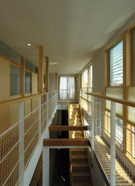 岐阜の家の部屋 光が差し込む廊下