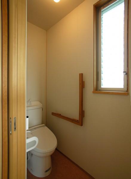 岐阜の家の部屋 シンプルなトイレ
