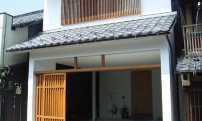 犬山の家 (格子戸のある外観)