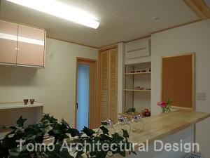 house-NMYの写真 勝手口のあるキッチン