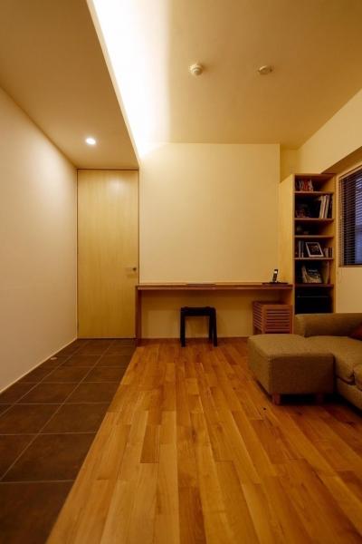 無垢材と左官壁のシンプル空間(浦和区のリノベーション) (リビング3)