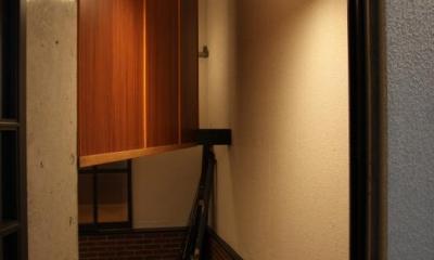 住居兼ワークスペース (収納たっぷりの玄関)