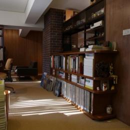 ご家族の好きな本がぎっしり詰まった本棚