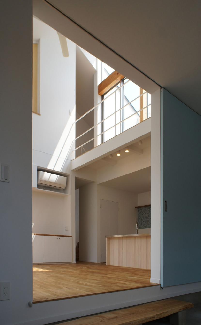 名古屋M邸-高窓のある吹抜け空間を中心としたかもめ食堂-の部屋 名古屋M邸05