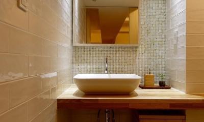 無垢材と左官壁のシンプル空間(浦和区のリノベーション) (洗面)