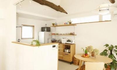 大きな窓から見える富士山を楽しめる、明るい2階リビングの住まい (キッチン)