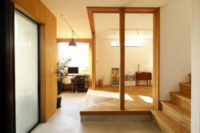 書斎 (大きな窓から見える富士山を楽しめる、明るい2階リビングの住まい)