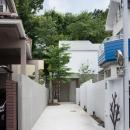 三鷹井の頭戸建てリノベーションPJの写真 長い玄関アプローチ