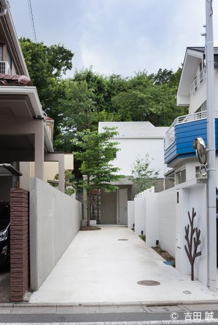 三鷹井の頭戸建てリノベーションPJの部屋 長い玄関アプローチ