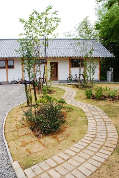 庭 (御柱-ibusiの舎)