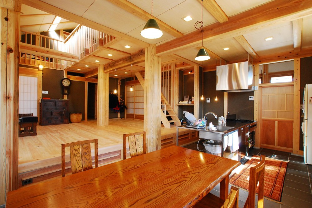 SSD建築士事務所株式会社 瀬古智史「御柱-ibusiの舎」