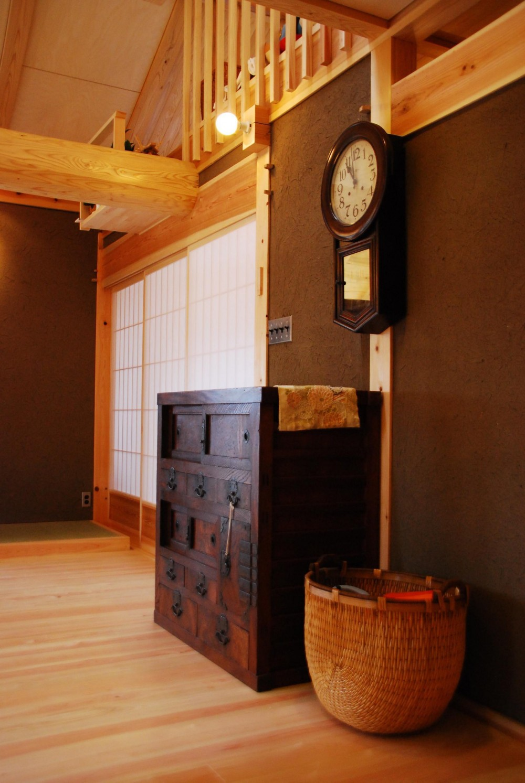 御柱-ibusiの舎 (家具)