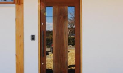 御柱-ibusiの舎 (玄関)