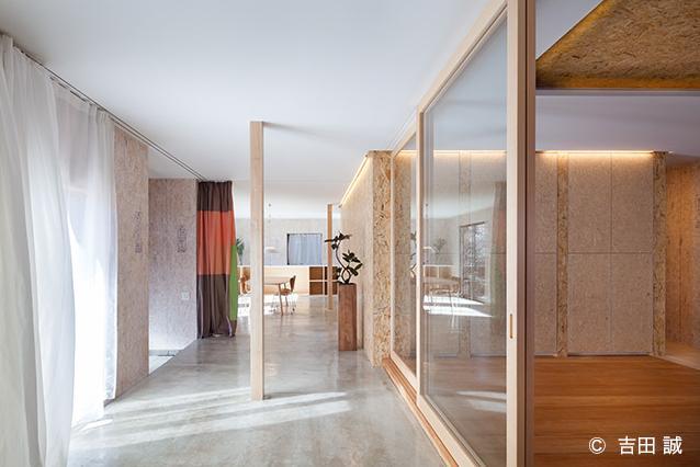 青葉区しらとり台戸建てリノベーションPJの部屋 広々とした廊下