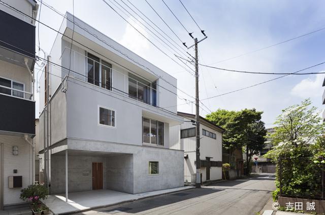 東門前の二世帯住宅 (RC造+木造一部鉄骨造の二世帯住宅)