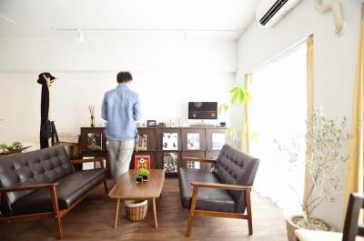 リビング (I邸-セミオーダーのリノベで「カフェ部屋」)