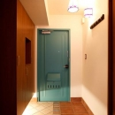 愛着のある家具・愛着のある家の写真 アンティークな雰囲気の玄関