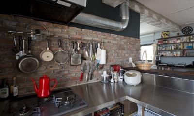 造作キッチン|光あふれるビンテージな住まい