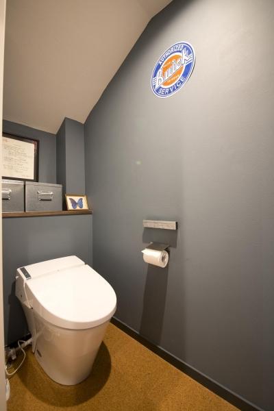 トイレ (光あふれるビンテージな住まい)