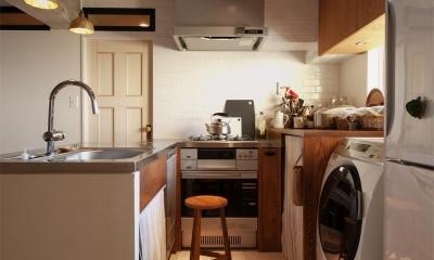 間取りを変えず、自然素材でイメージ一新 (キッチン 収納)