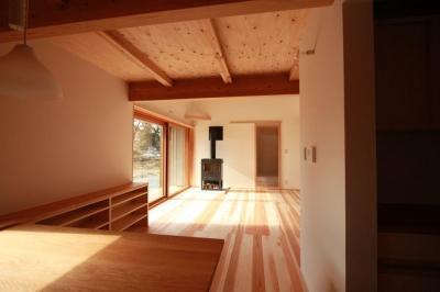 米沢の家/自然素材のエコハウス (リビング)