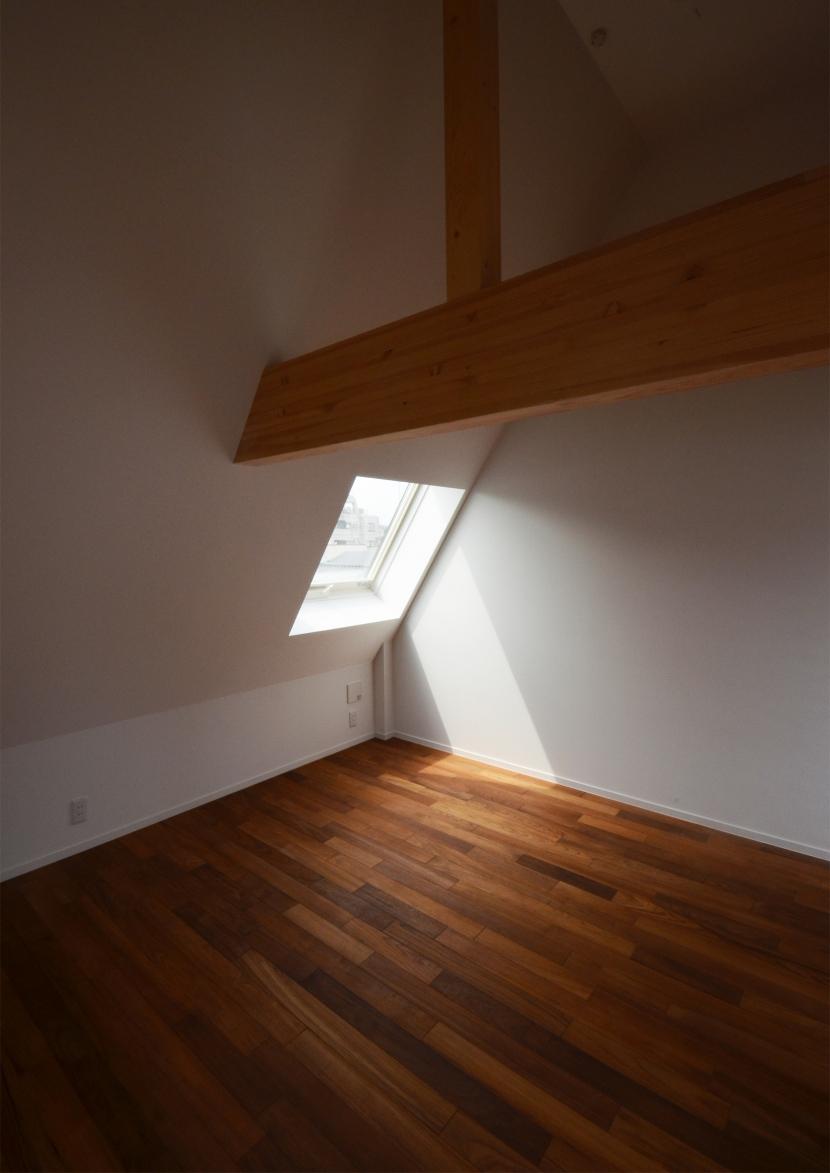 徳丸Y邸-高密度でもゆとりある庭を配した二世帯住宅-の部屋 徳丸Y邸09