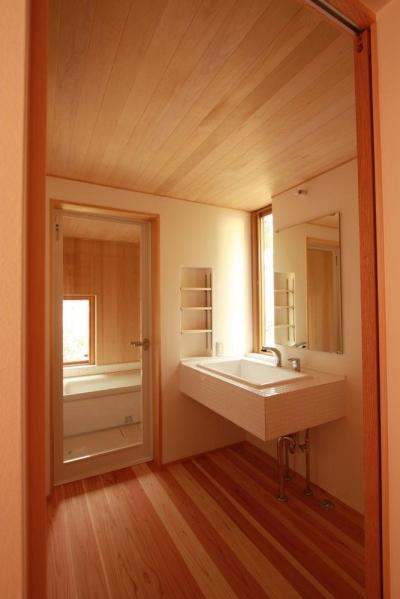 米沢の家/自然素材のエコハウス (浴室、洗面脱衣室)