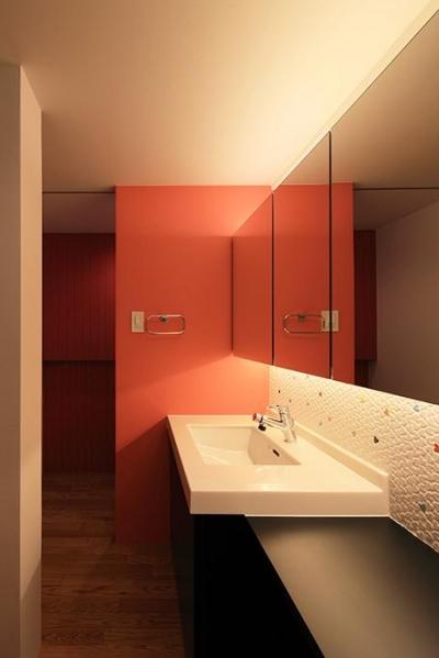 アクセントカラーの洗面室 (House-MSD【 White Rainbow-白虹- 】)