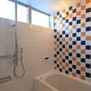 House-MSD【 White Rainbow-白虹- 】の写真 タイルが印象的なバスルーム