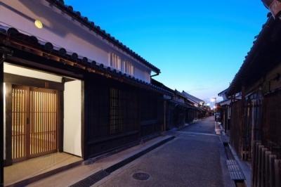 今井町の家ー伝統的町家を新しく開発した耐震フレームで現代のライフスタイルにあったリノベーションを実現ー (外観(夜景))