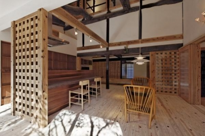 食事室 (今井町の家ー伝統的町家を新しく開発した耐震フレームで現代のライフスタイルにあったリノベーションを実現ー)