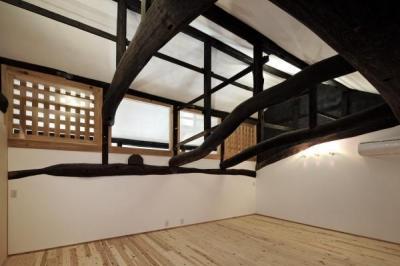 2階室1・2 (今井町の家ー伝統的町家を新しく開発した耐震フレームで現代のライフスタイルにあったリノベーションを実現ー)